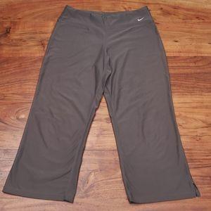 Nike Fit Dry Cropped Leggings M